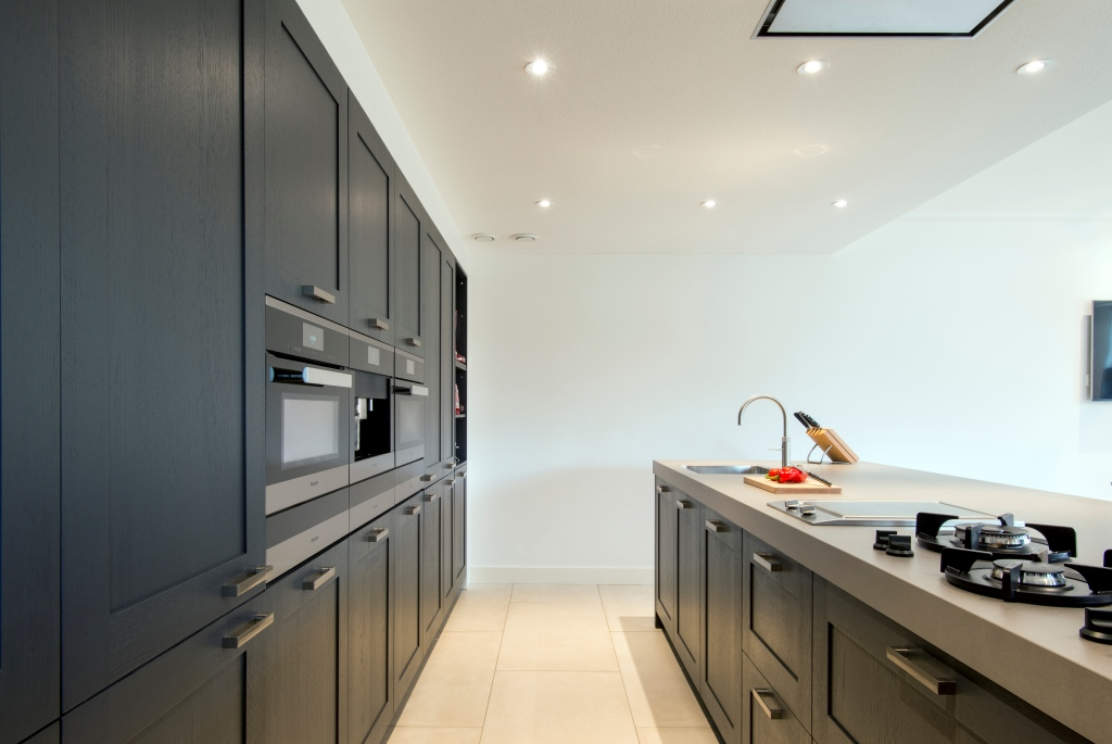 Goede combinatie leefkeuken: eiken en beton
