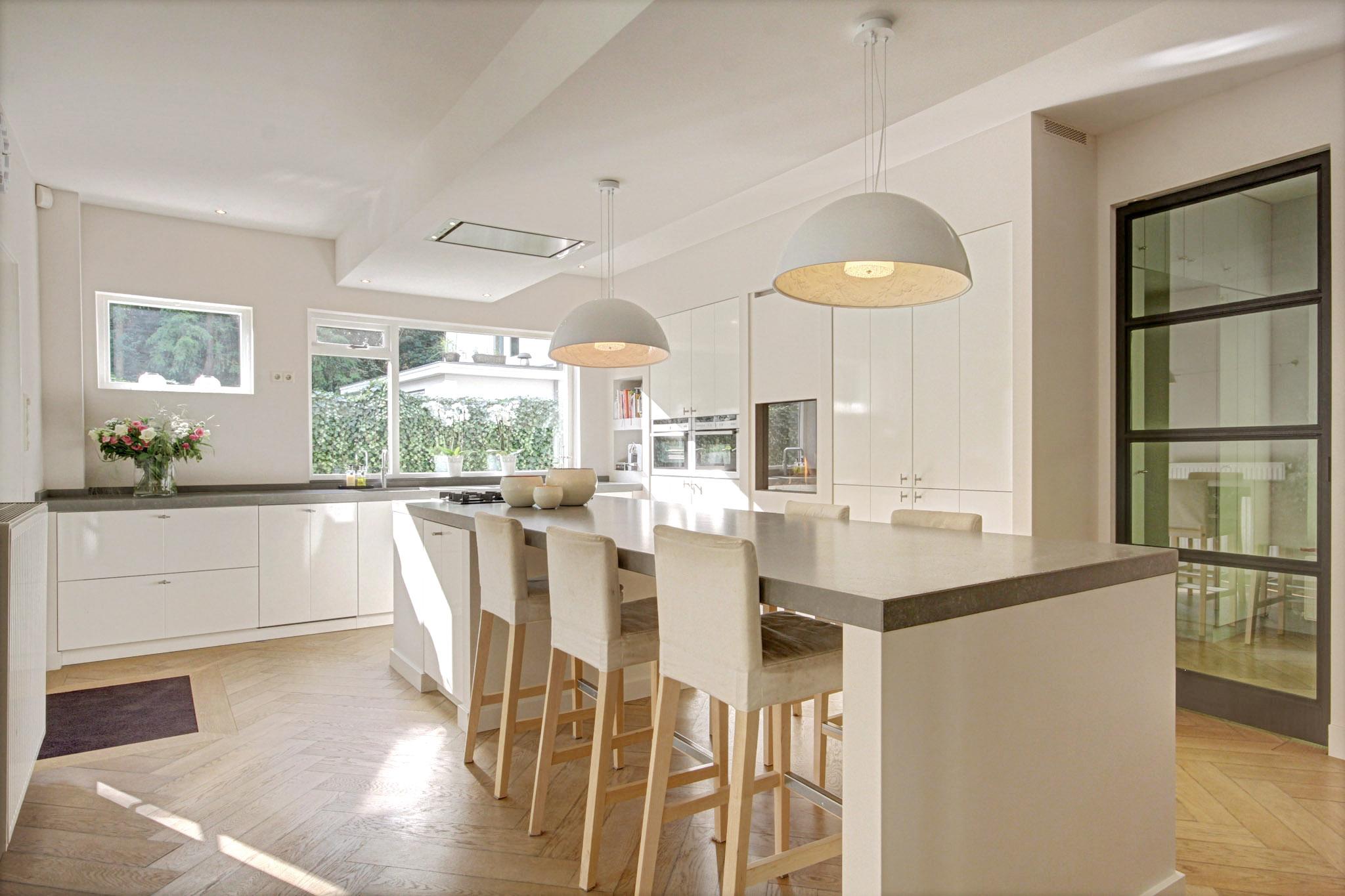 Keuken met kookeiland en bar – Van Manen Keukens
