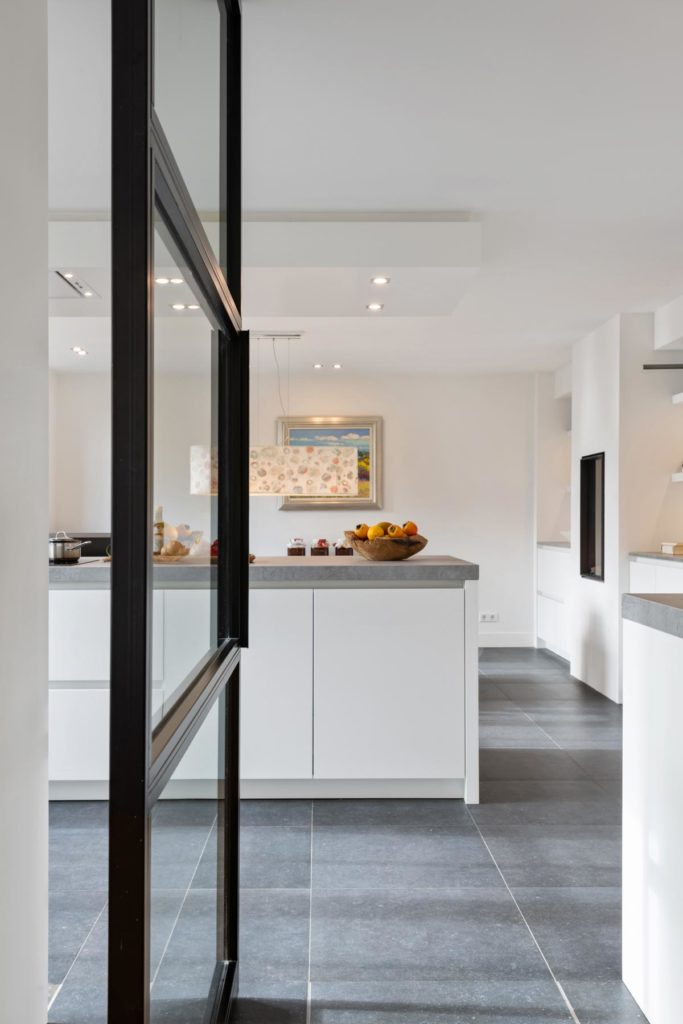 Moderne keuken met twee functies