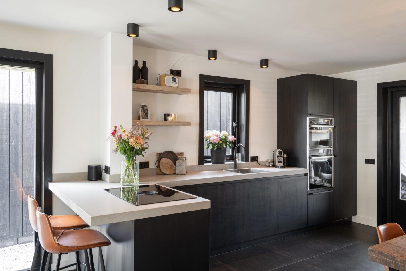 Moderne keuken met strakke uitvoering